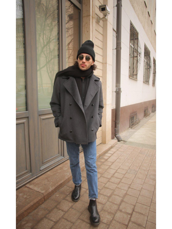 Демисезонное двубортное пальто мужского кроя на пуговицах_0