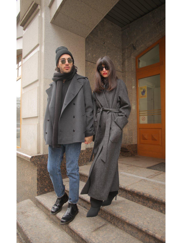 Демисезонное двубортное пальто мужского кроя на пуговицах_5