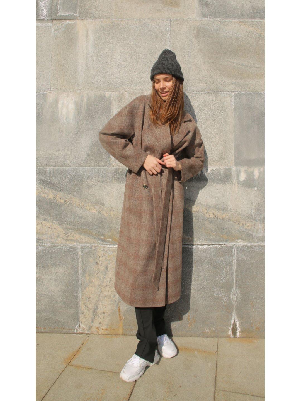 Демисезонное пальто в клетку с английским воротником_2