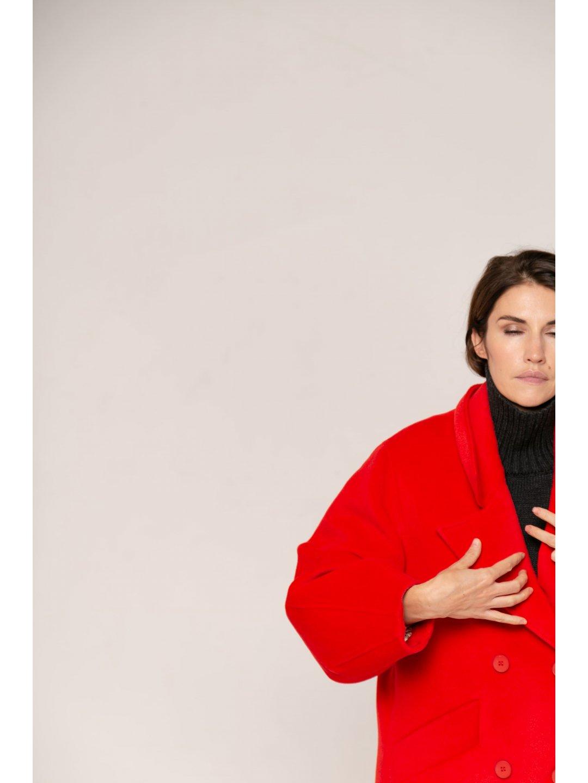 Пальто-кокон в красном цвете_1