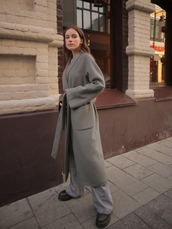 Демисезонное пальто на запах в цвете полынь_5