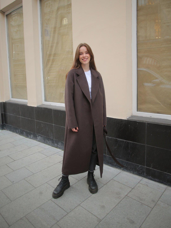 Утепленное пальто с английским воротником в цвете шоколад_2