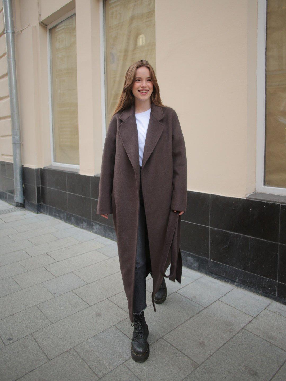 Утепленное пальто с английским воротником в цвете шоколад_4
