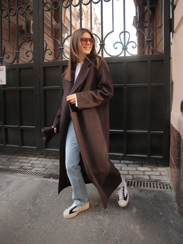 Утеплённое пальто c английским воротником в цвете горький шоколад_2