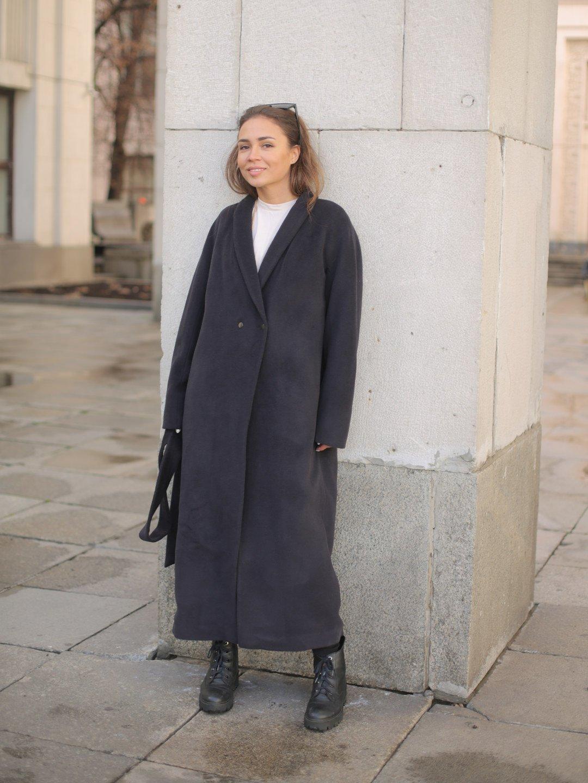 Утеплённое пальто на кнопках в черничном цвете_1