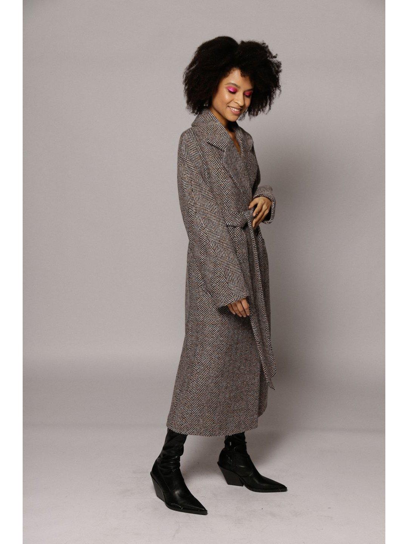 Демисезонное пальто ёлочка светлая с английским воротником_4