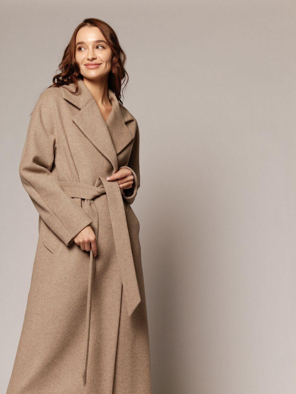 Демисезонное пальто с английским воротником в пшеничном цвете_6