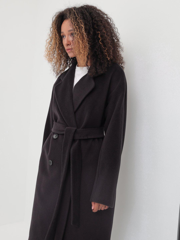 Утеплённое двубортное пальто с английским воротником в цвете Туман_4