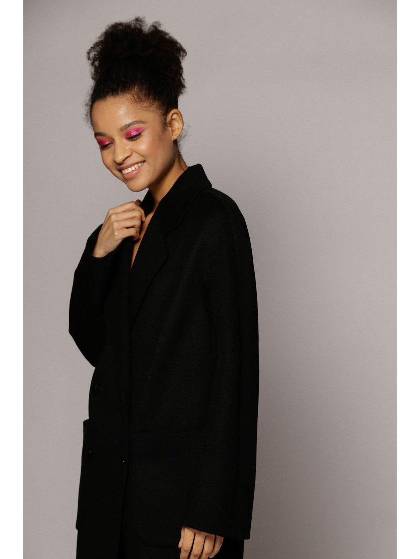 Демисезонное двубортное пальто с накладными карманами в чёрном цвете_2