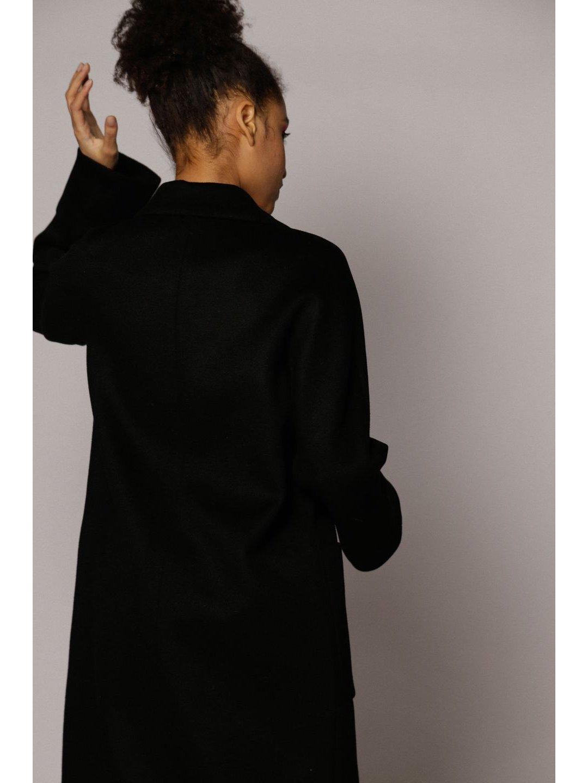 Демисезонное двубортное пальто с накладными карманами в чёрном цвете_5