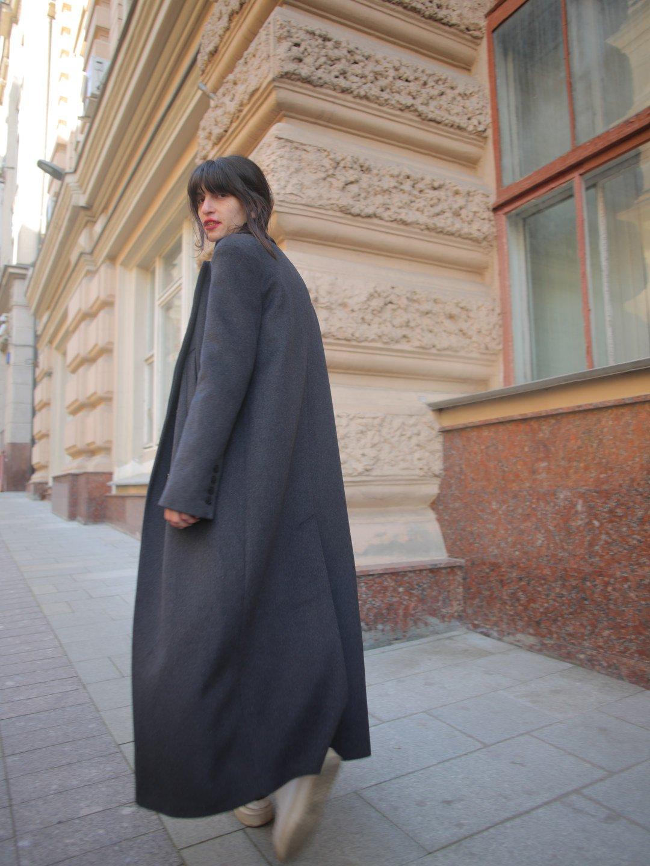 Утепленное батино пальто в цвете графит_4