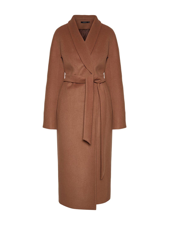 Утепленное пальто с воротником-шалькой шалька в цвете кэмел_0