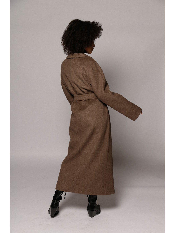Утепленное пальто с воротником-шалькой в цвете табак_5