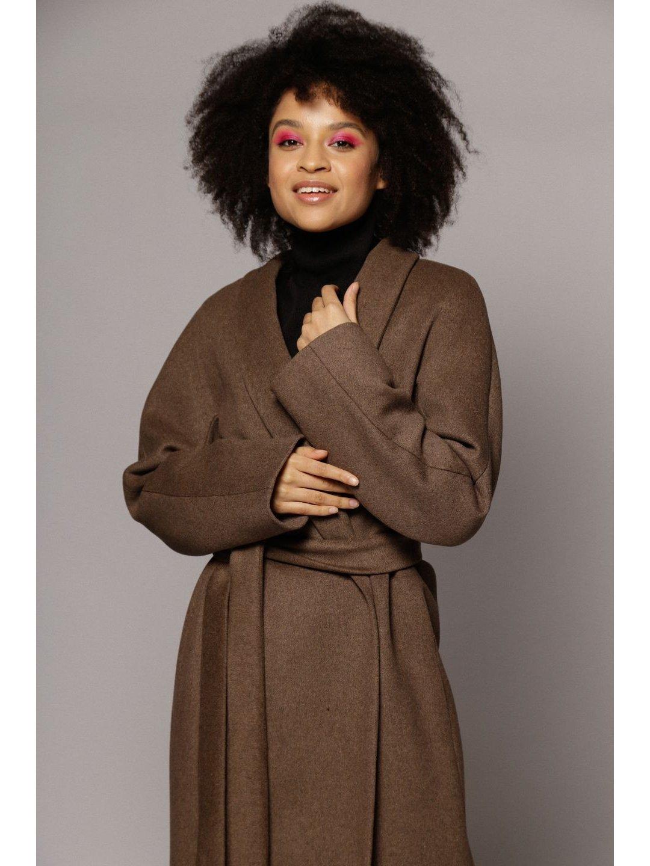 Утепленное пальто с воротником-шалькой в цвете табак_2
