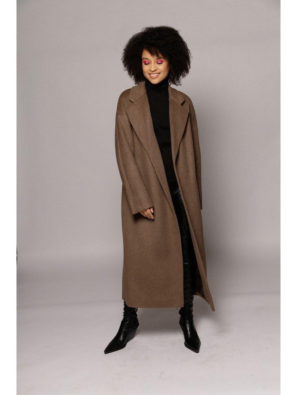 Утеплённое пальто c английским воротником в цвете табак_1