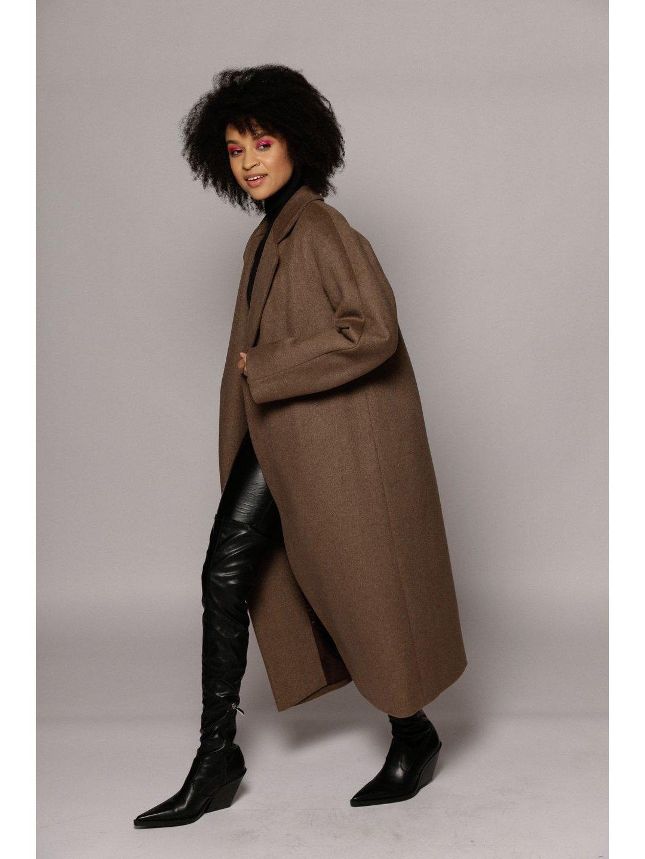 Утеплённое пальто c английским воротником в цвете табак_2