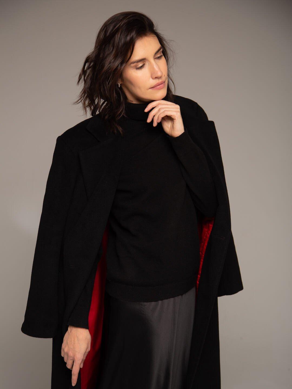 Утеплённое батино пальто в чёрном цвете_3