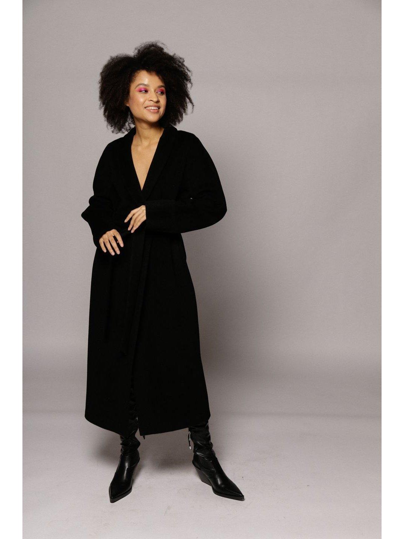 Утеплённое пальто на кнопках в черном цвете_2