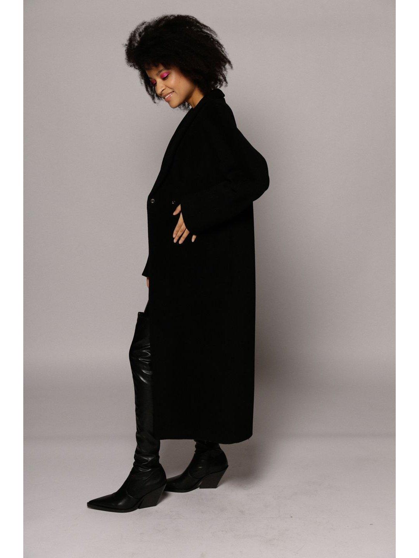 Утеплённое пальто на кнопках в черном цвете_5
