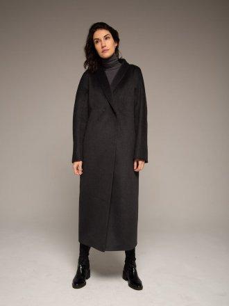 Пальто с воротником-шалькой на кнопках