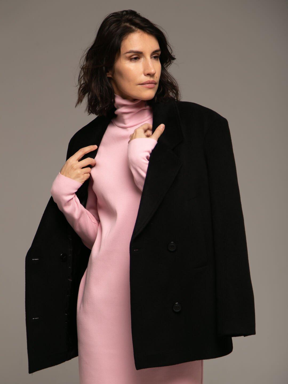 Утеплённое укороченное батино пальто в чёрном цвете_0