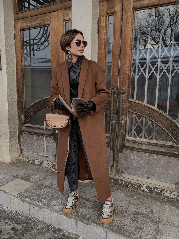 Утеплённое пальто с воротником-шалькой в цвете миндаль_1