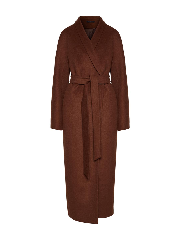Утеплённое пальто с пуговицами и воротником-шалькой в цвете миндаля_0