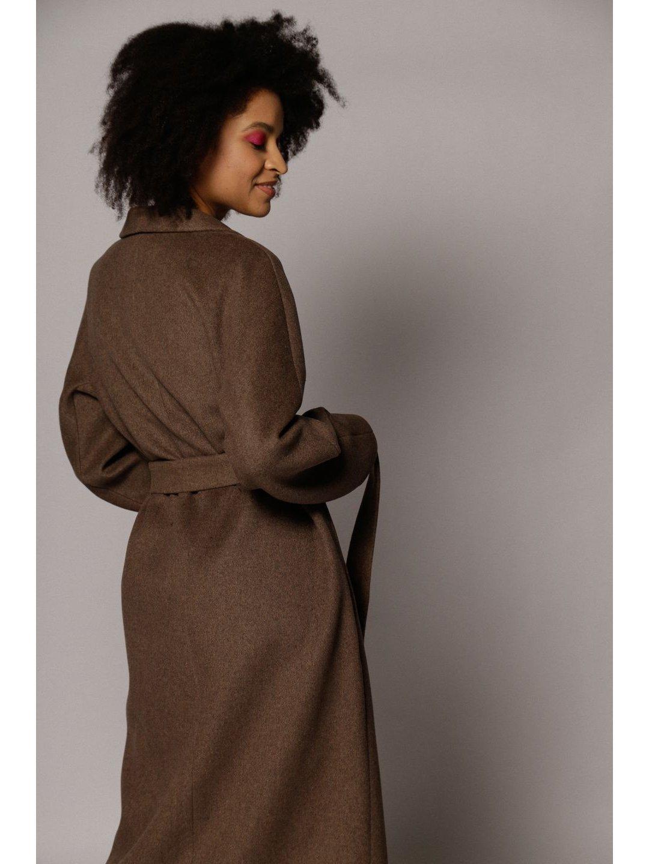 Демисезонное пальто с воротником-шалькой в цвете табак_4