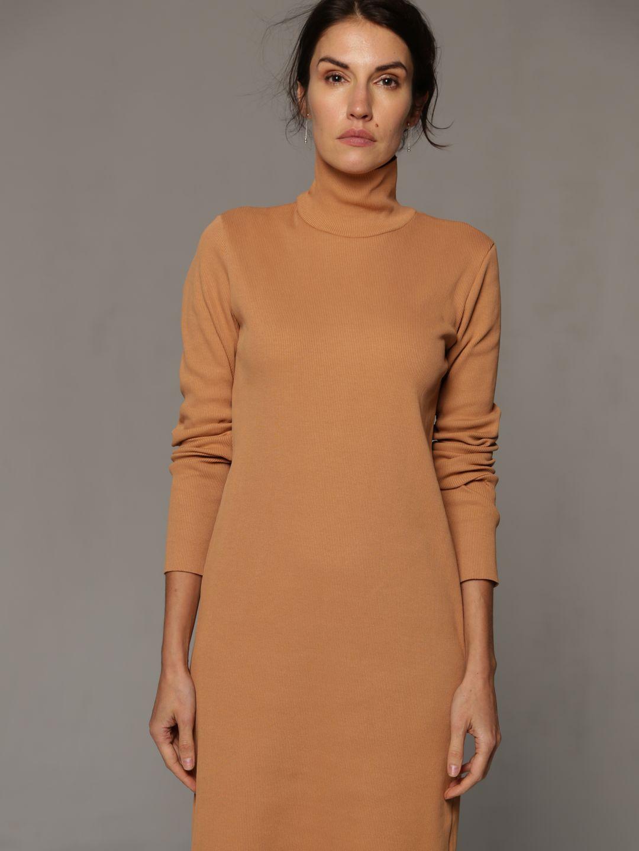 Платье-лапша бежевого цвета_0