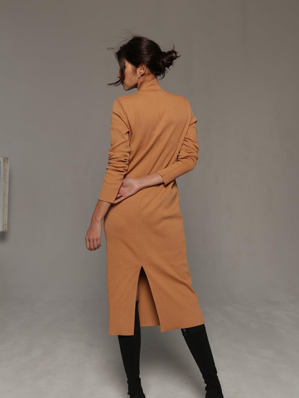 Платье-лапша бежевого цвета_2