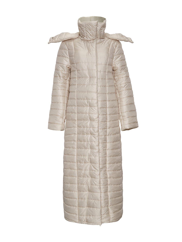 Утепленное пальто с отстегивающимся капюшоном в молочном цвете_0