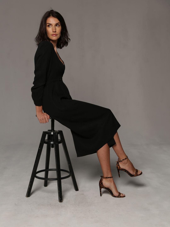 Платье-миди в чёрном цвете_0
