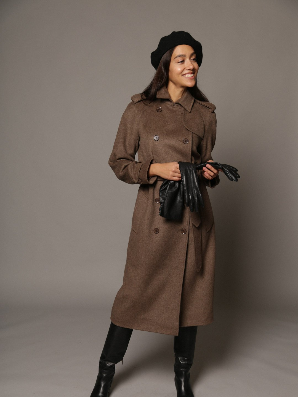 Пальто-тренч в коричневом цвете_2