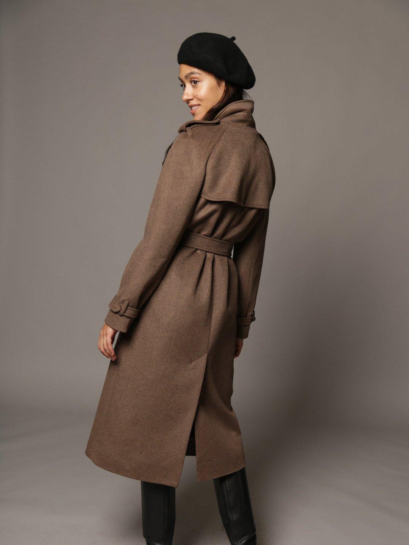 Пальто-тренч в коричневом цвете_5